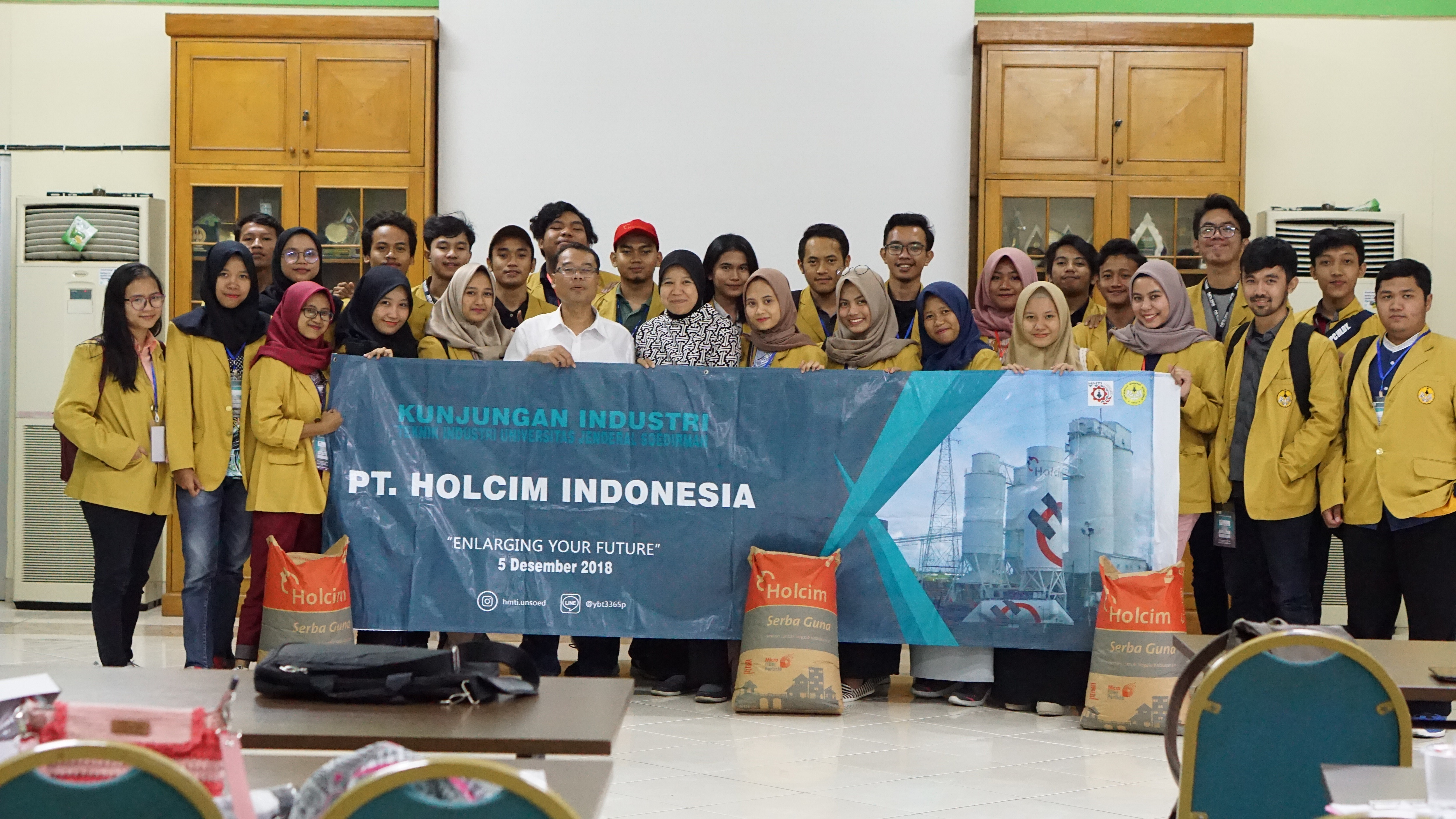 Industrial Visit of Industrial Engineering Student to Holcim Indonesia , Cilacap Plant