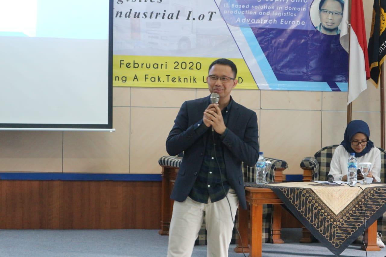 Mengupas lebih jauh dan lebih dalam tentang implementasi Industri 4.0 dalam dunia Industri bersama Dr.Supriyanto dari Advantech
